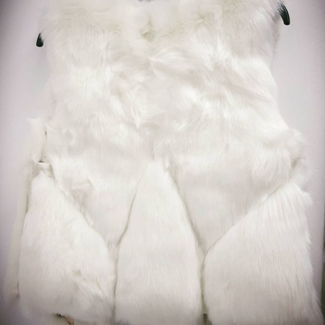 Vesta de blana