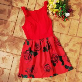 Rochie clos cu model floral si fundite Siera