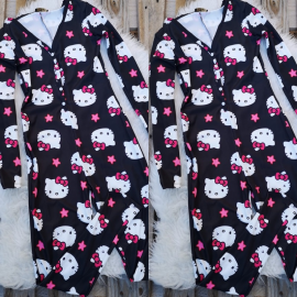 Pijama dama tip salopeta Hello Kitty negru