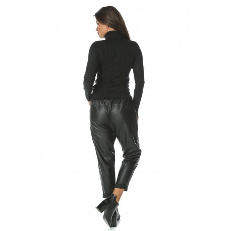 Pantaloni ¾ din piele ecologica